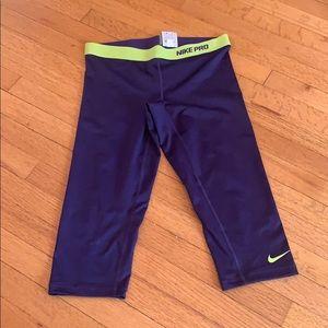Nike pro 3/4 length pants